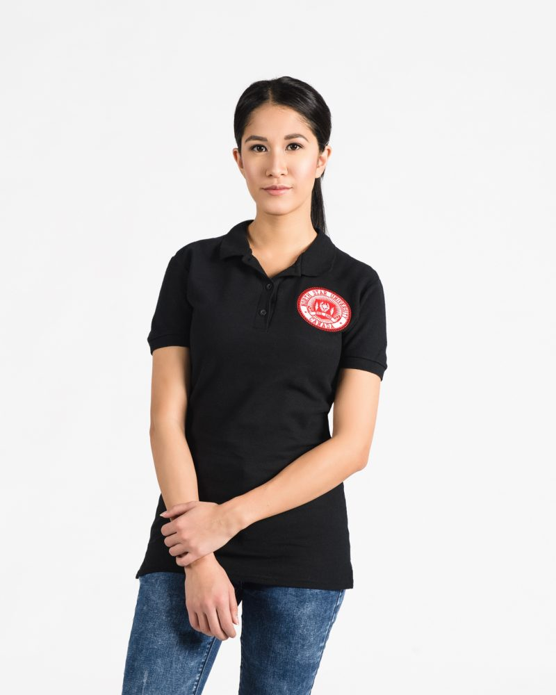Signature Fitted Golf Shirt 109w in black on woman.